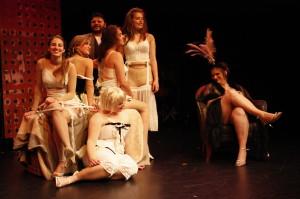 Dreigroschenoper7Dreigroschenoper- Kostüm-Bühne-silvana arnold-theater bagage